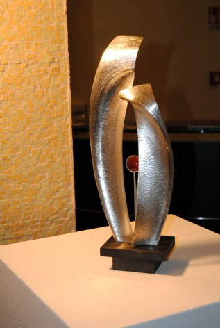 una scultura di Ilario